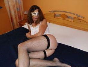 Sexy Hausfrau will schnelles Sexabenteuer
